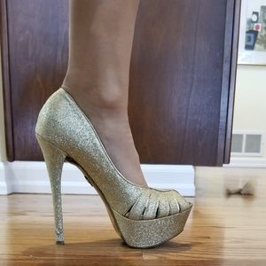 Betsey Johnson Sparkly Gold Heels, Size 6.5